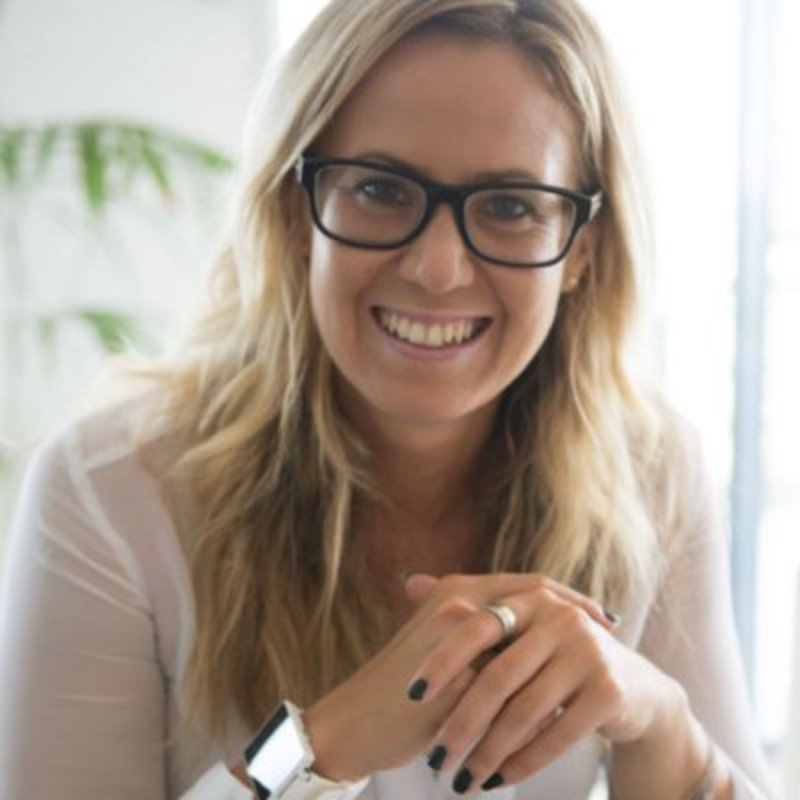 Petra Zink - is a Coach, Speaker and Educator on all things Career & Personal Development, Branding, High Performance and Innovation.