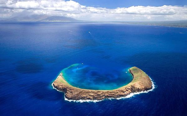 Molokini-Aerial.jpg