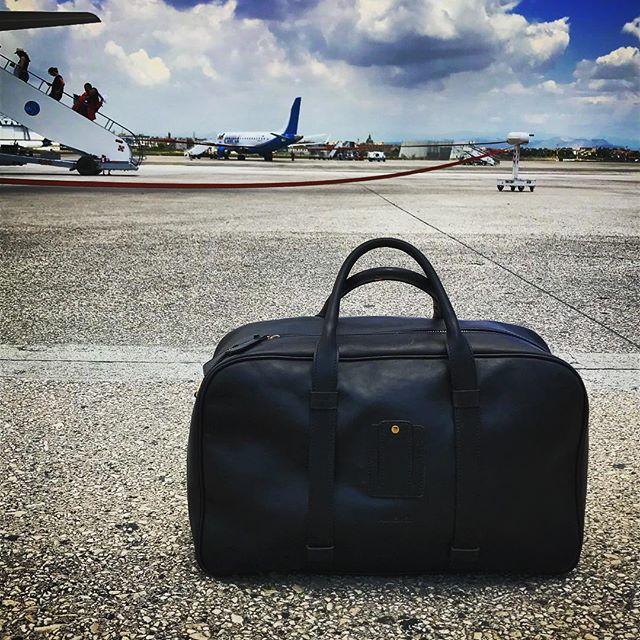 Tarmac beauty... . . . . . . . . . #laptopbag #workstyle #workinstyle #travelinstyle #travel #menfashion #menstyle #mensstyle #mensfashion #menwithclass #menswear #leatherbag #leather #realleather #vegetabletanned #vegetabletannedleather #madeinitaly #madebyhand #airport #napoli #tarmac