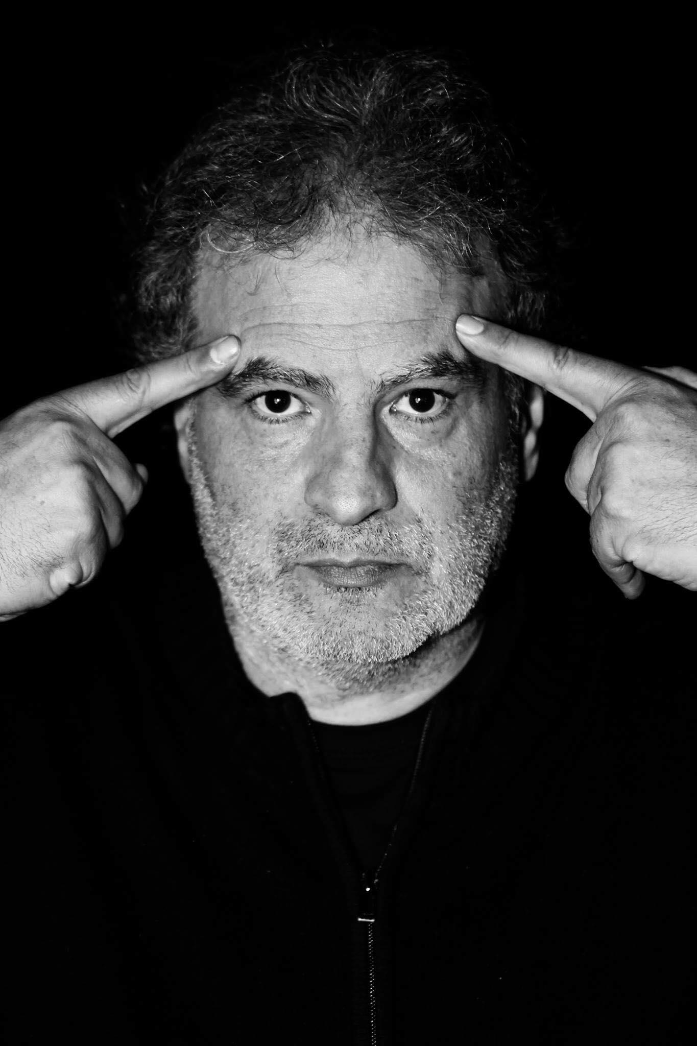 Raphael Mezrahi - Humoriste FrançaisEt toi? Quel est ton mot ?