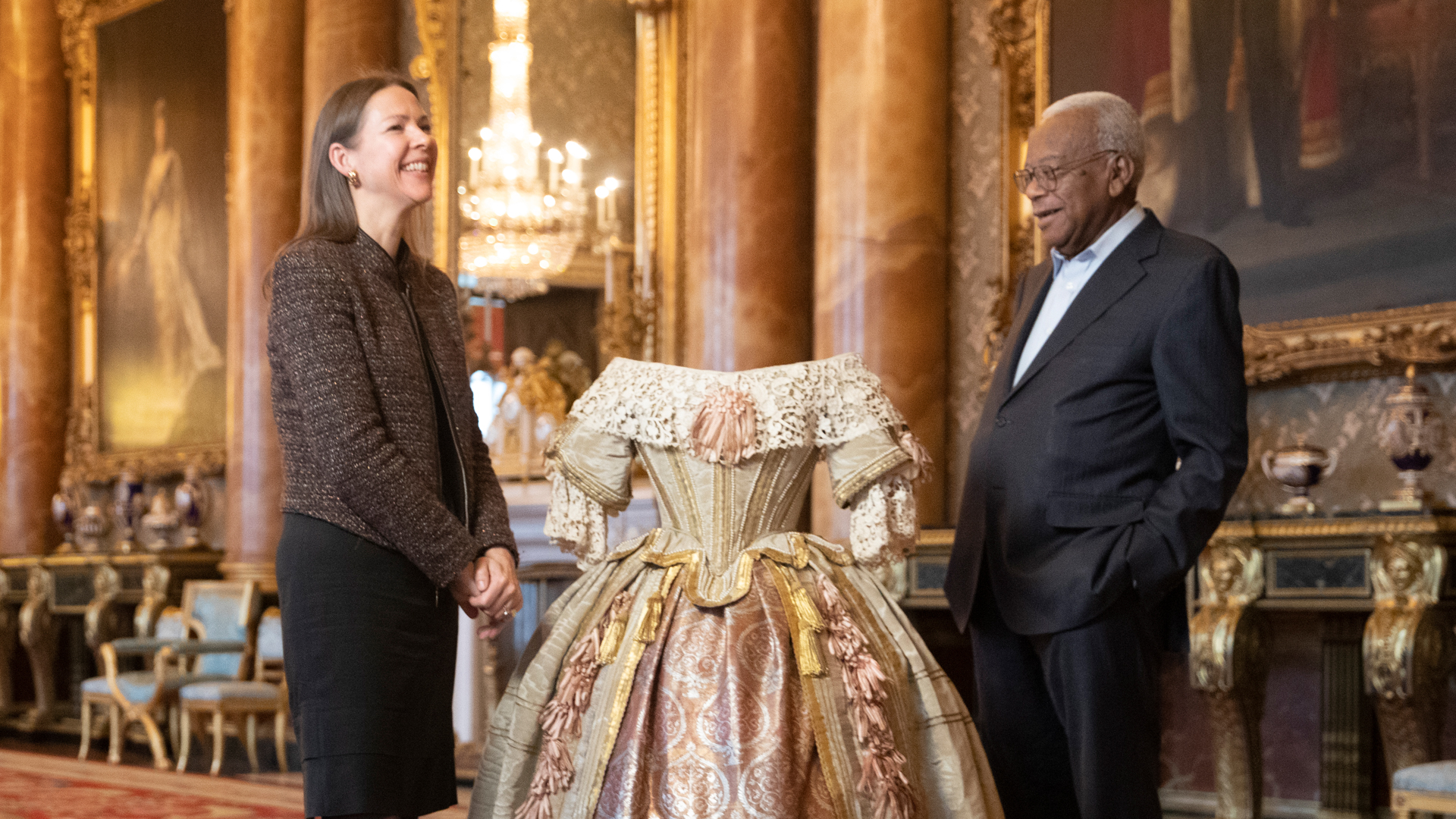 Trevor-McDonald-and-Queen-Victoria's-Dress.jpg