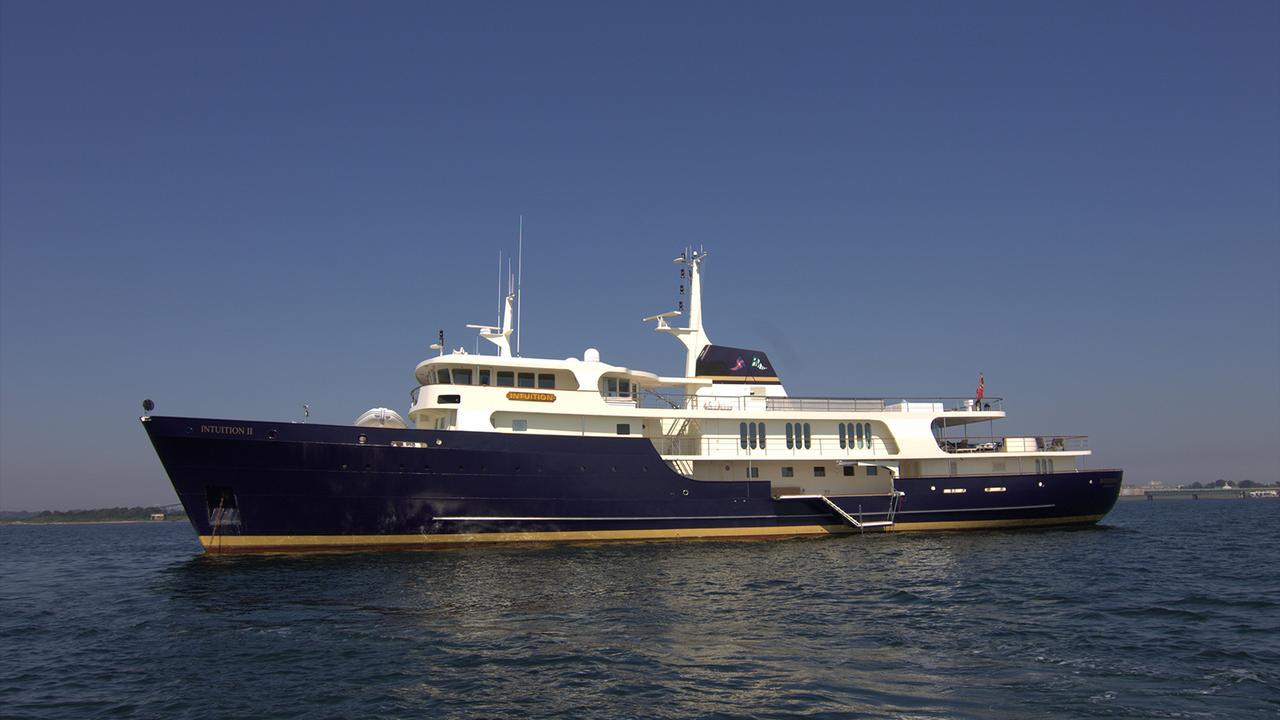 justb_yacht.jpg