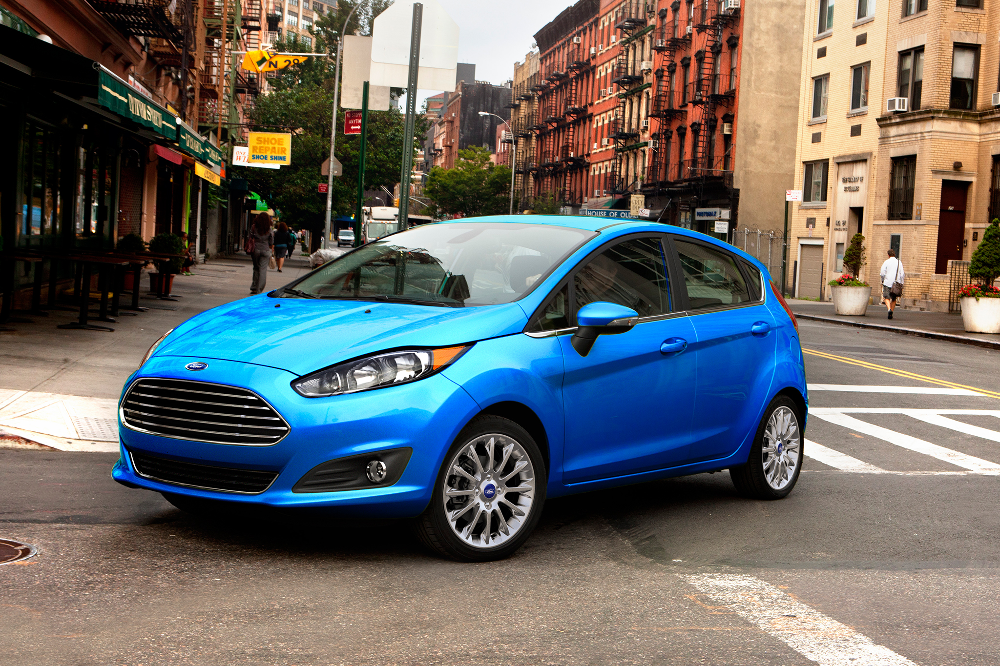 2017-Ford-Fiesta-front-three-quarter-01-1.jpg