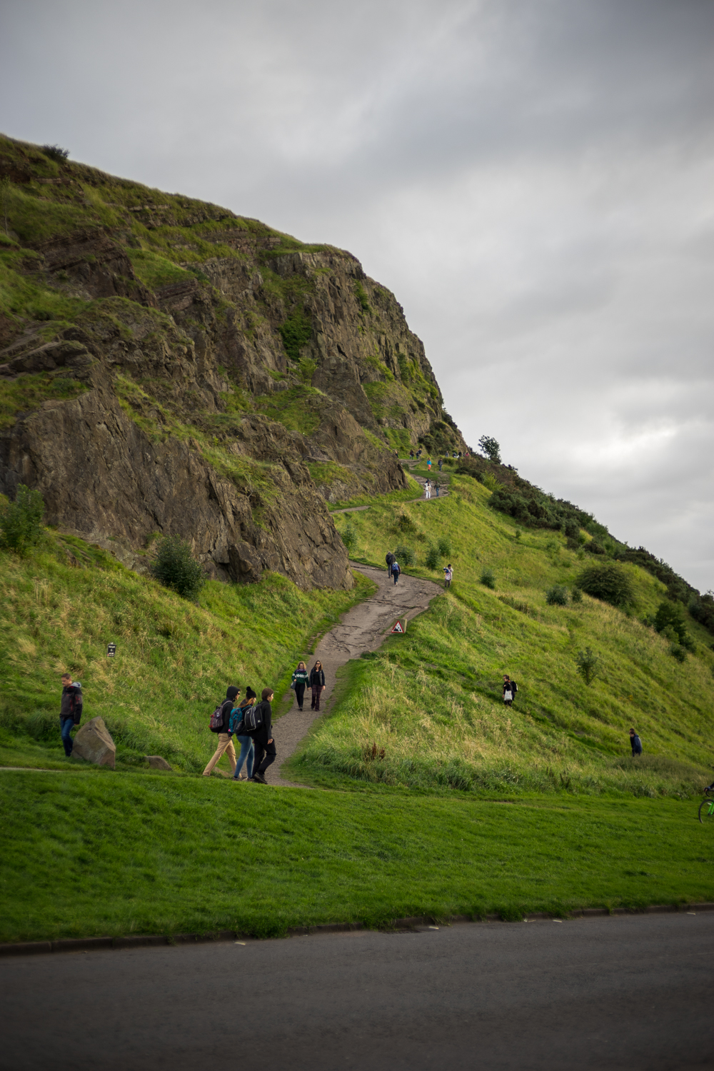 The beginning of the ascent up the face of Arthur's Seat