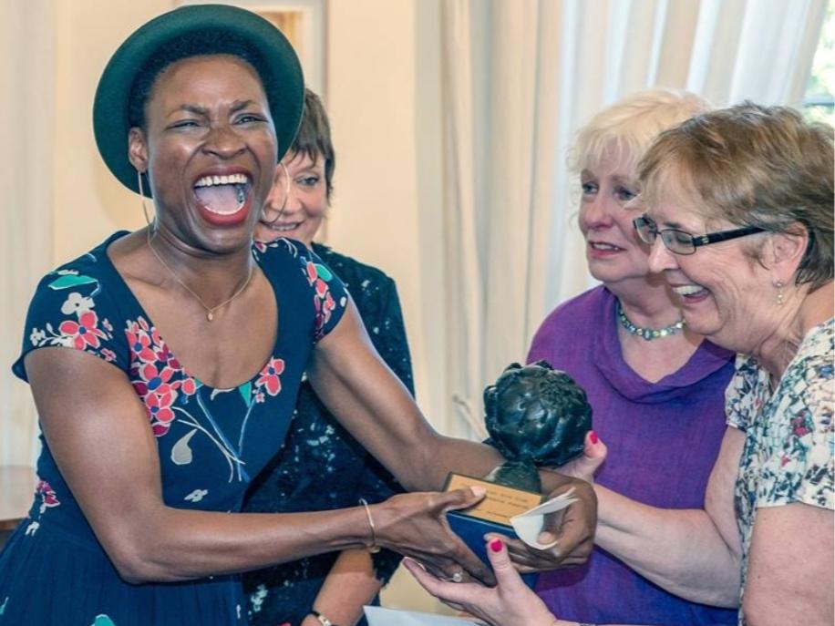 Adura Onashile receives the 2016 scottish arts club theatre award