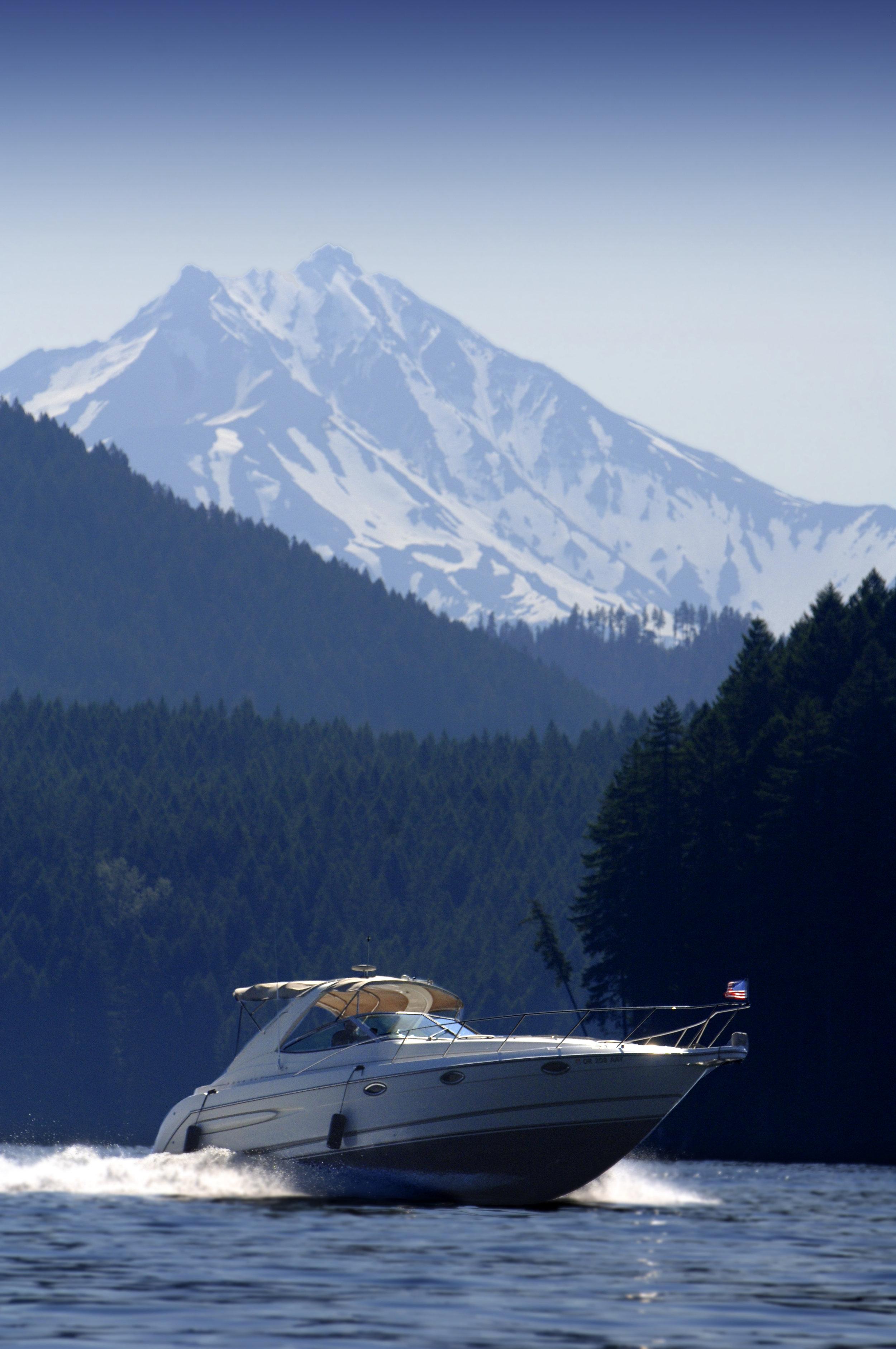 Boat & Mt. Jefferson.jpg