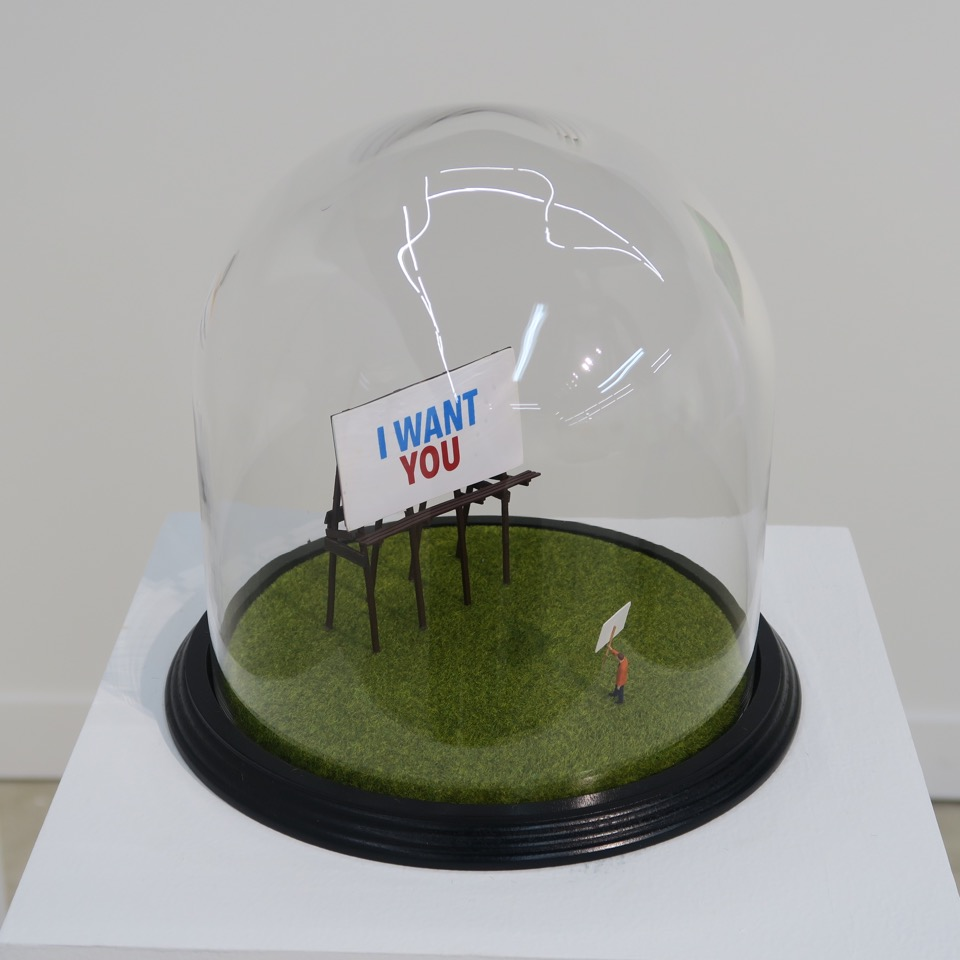 I Want You (2019) -  20 x 20 x 20 cm - Cúpula de cristal y diorama / Glass Display Dome with Diorama