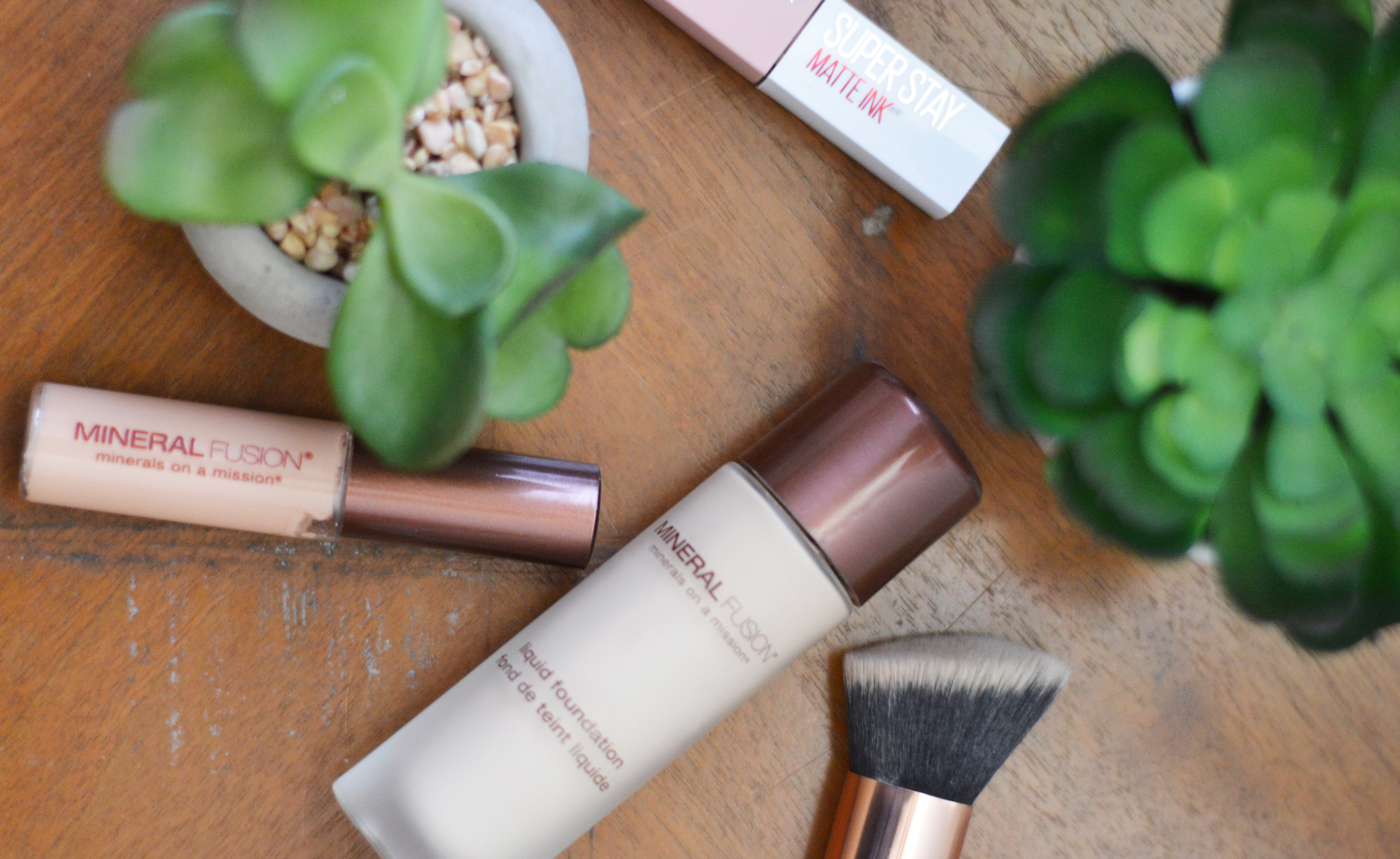 mineral fusion liquid foundation review