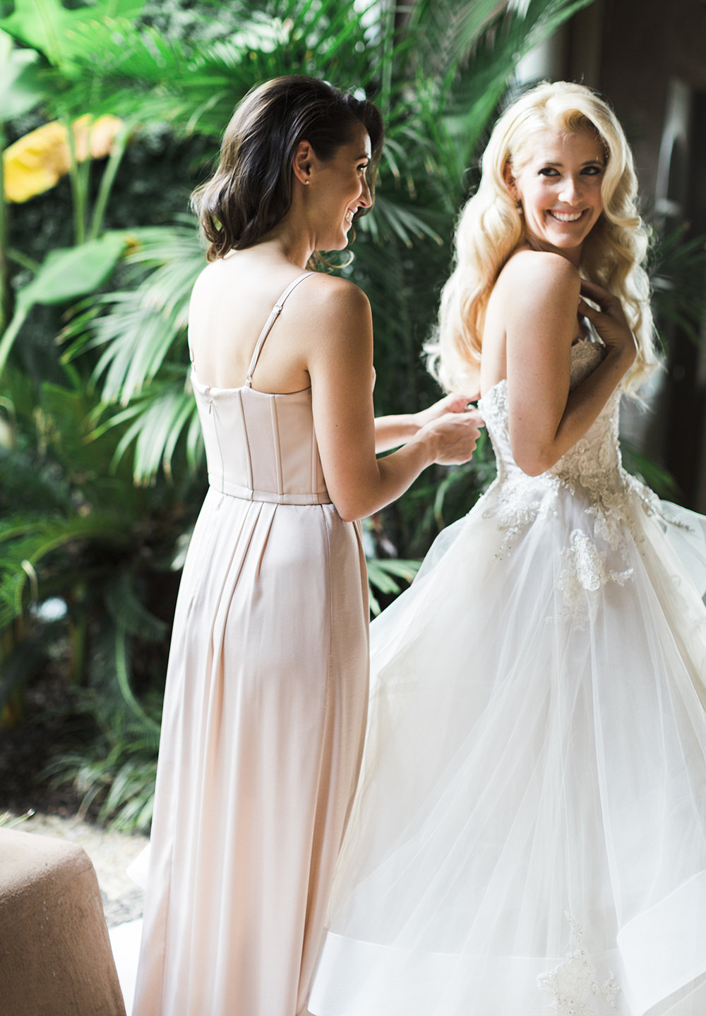 All smiles in Monique Lhullier!