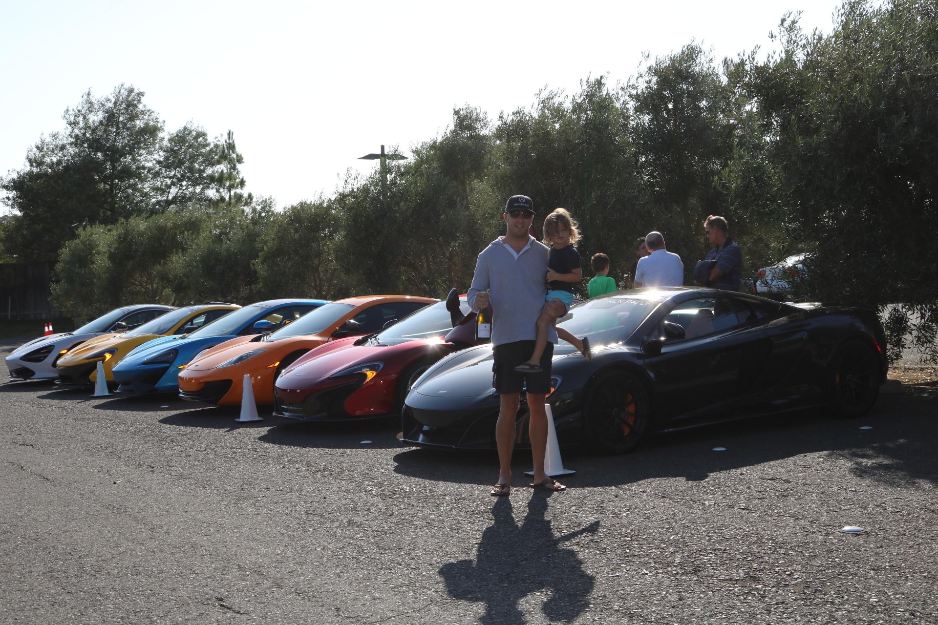 The McLaren team arrives at Carneros Inn!