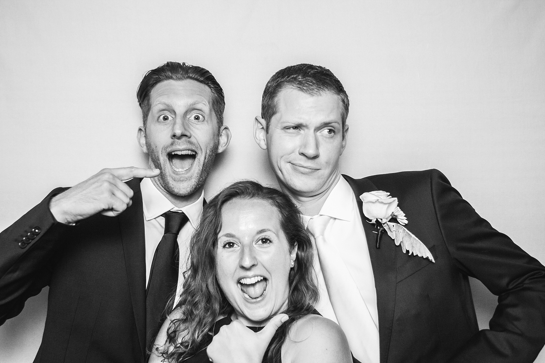 Fun Pictures of Wedding Guests 002.jpg