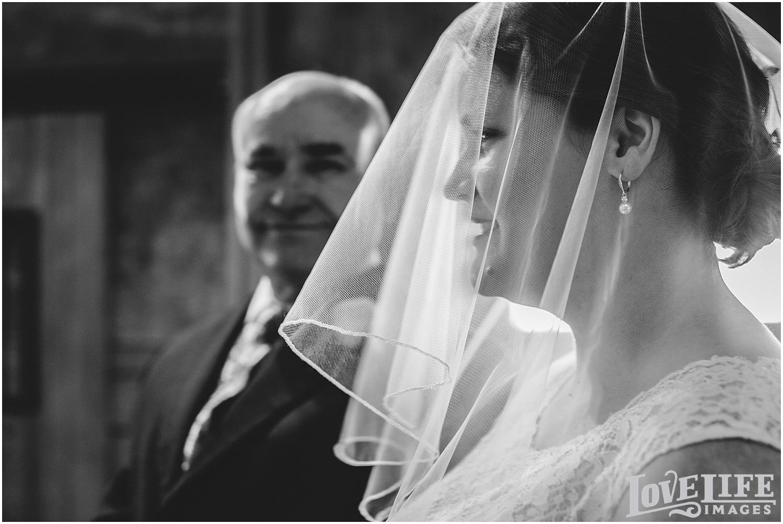 Bluemont Vineyard Wedding_0015.jpg