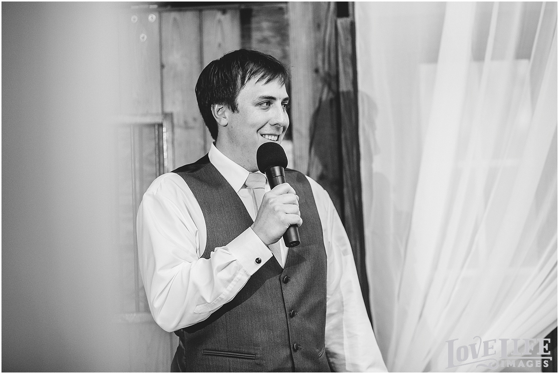 Bluemont Vineyard Wedding_0029.jpg
