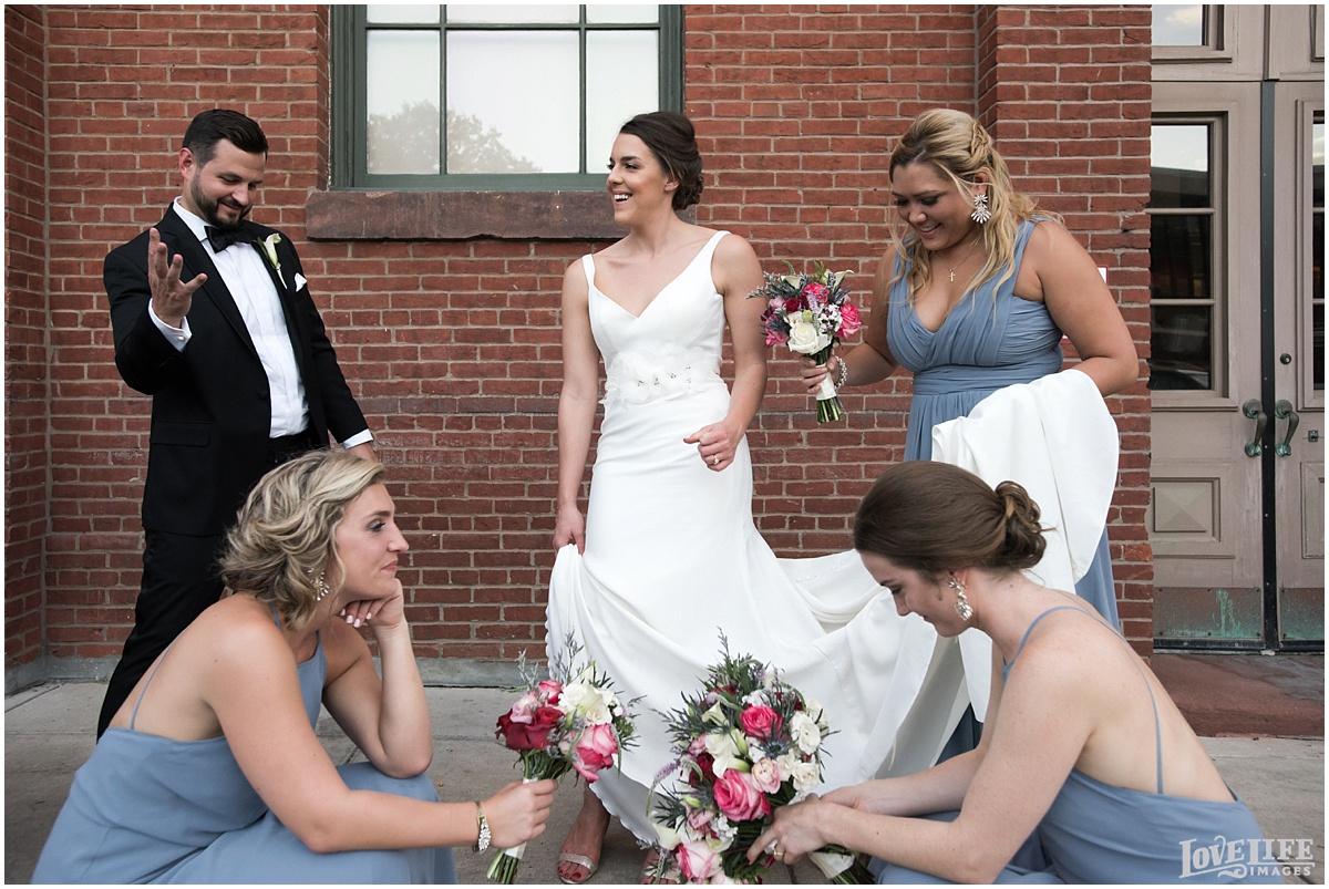 Eastern Market DC Wedding_0019.jpg