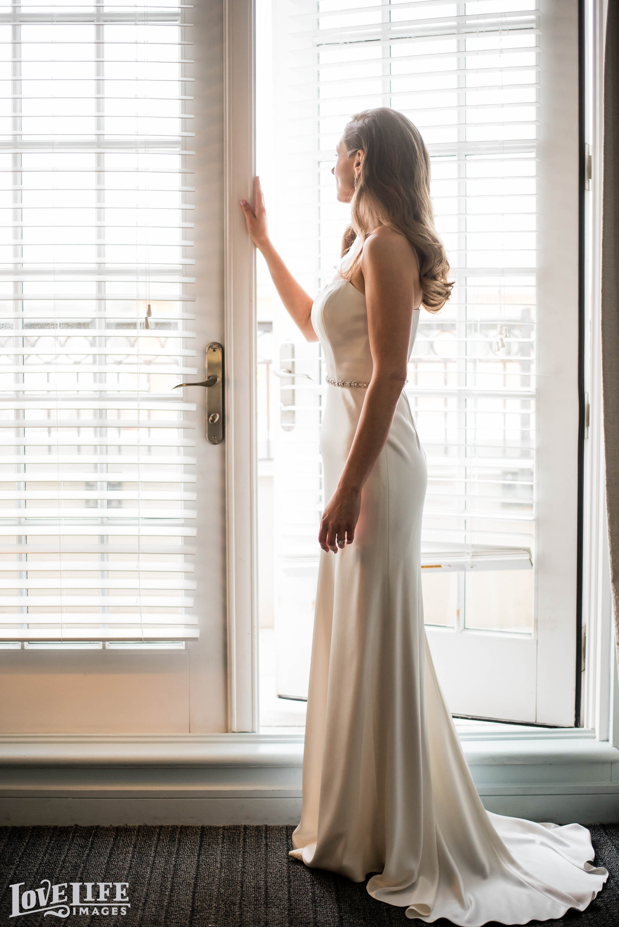 Lorien Hotel wedding Sneak Peek_001.jpg