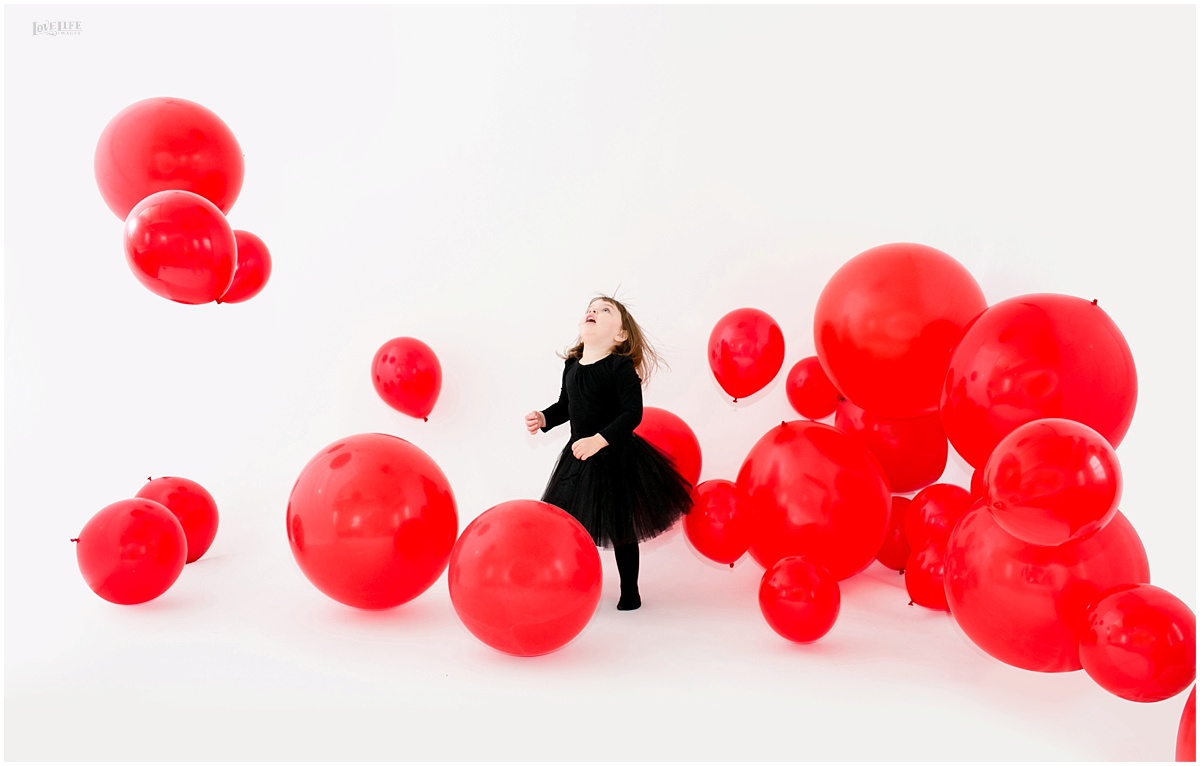 It was pretty magical how the balloons floated in the space. We had fans on hand to make everything seem dreamy.