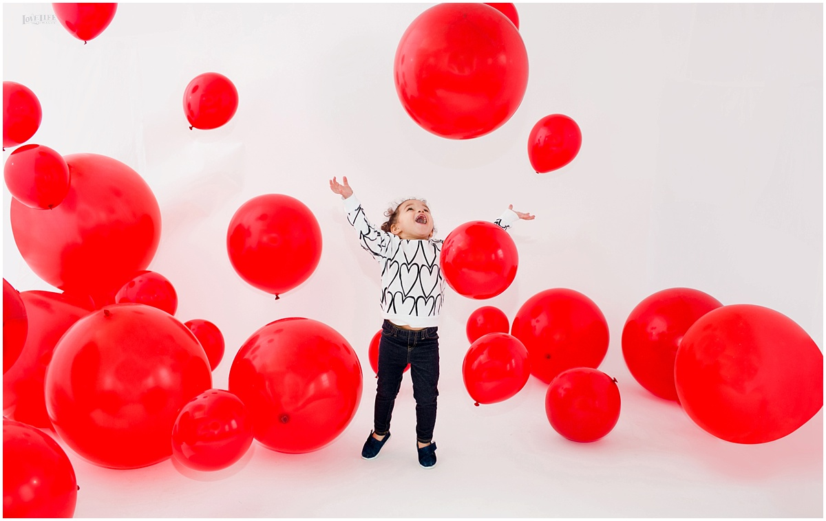 red balloon photo shoot little girl.JPG