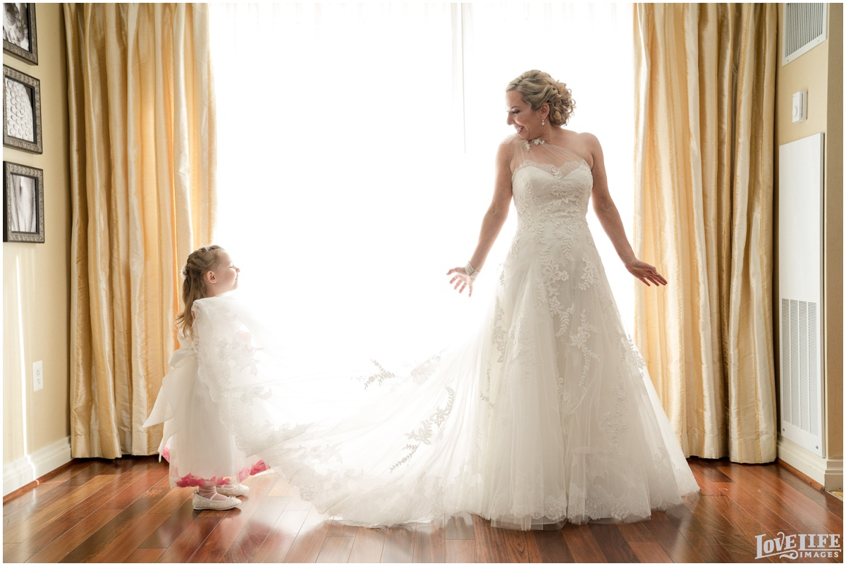 Baltimore Museum of Art Wedding bride getting ready.jpg