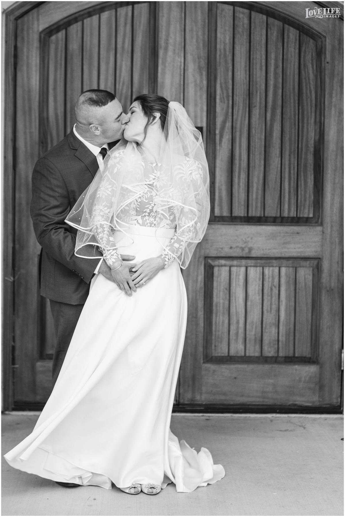 Breaux Vineyards VA Wedding_0006.jpg