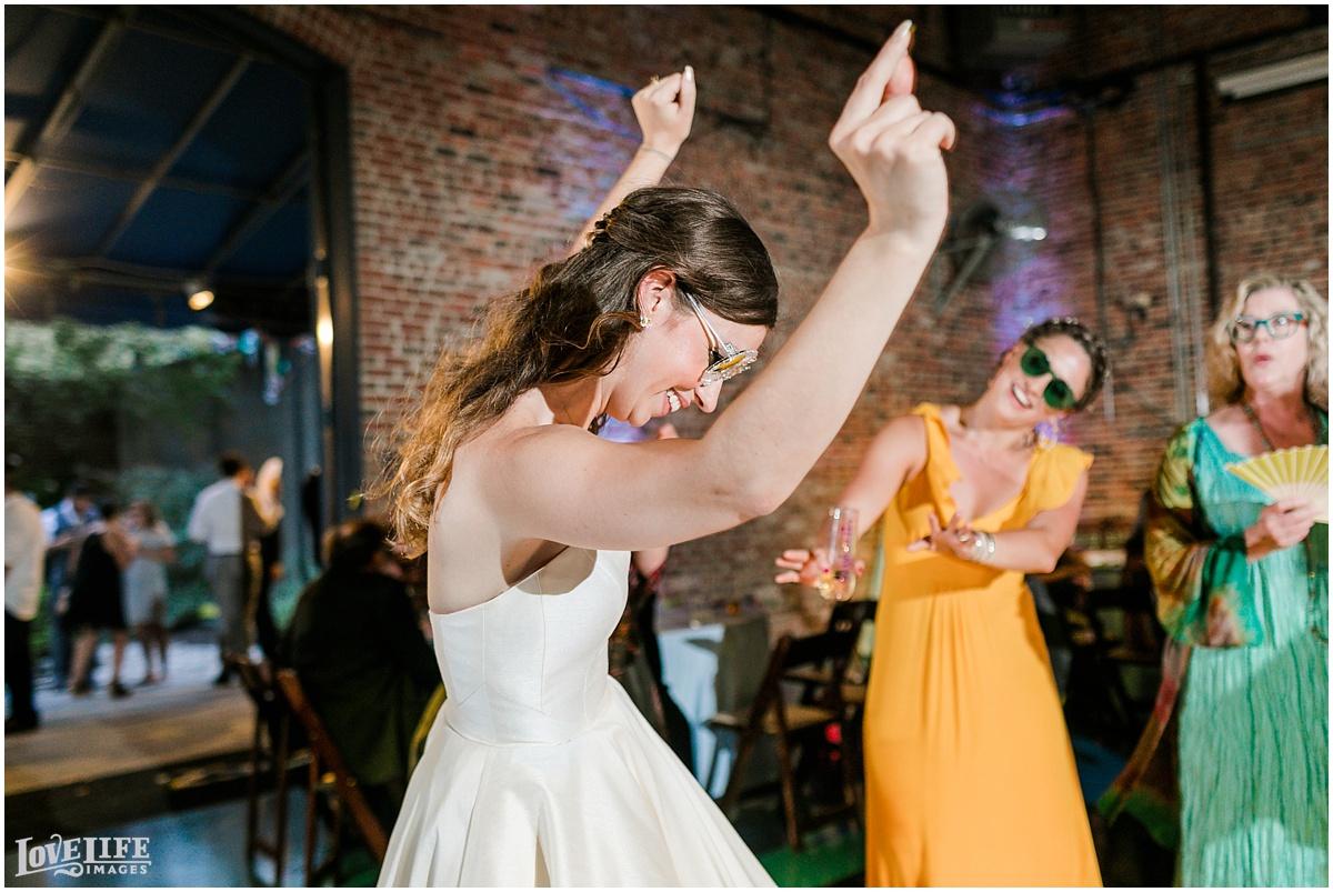 AVAM-Baltimore-Wedding_0015.jpg