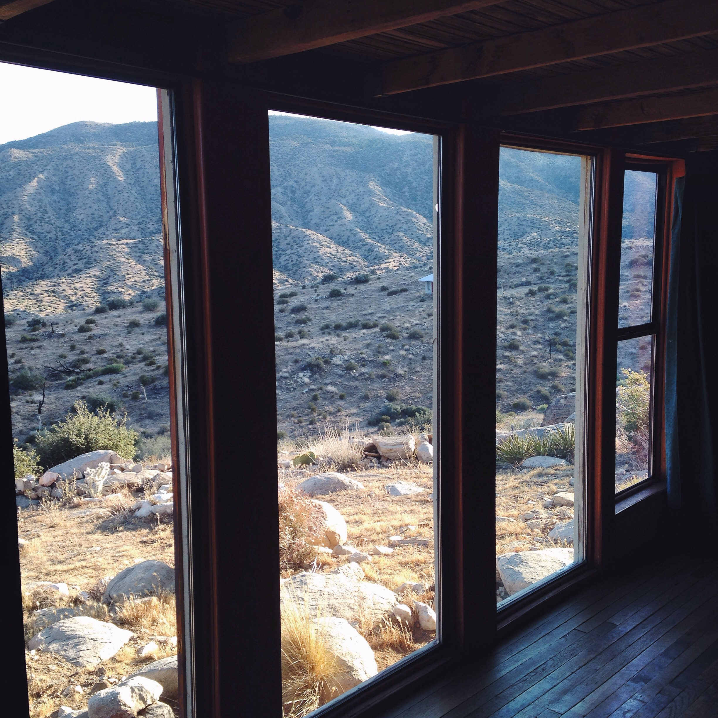 Pioneertown_Cabin_View
