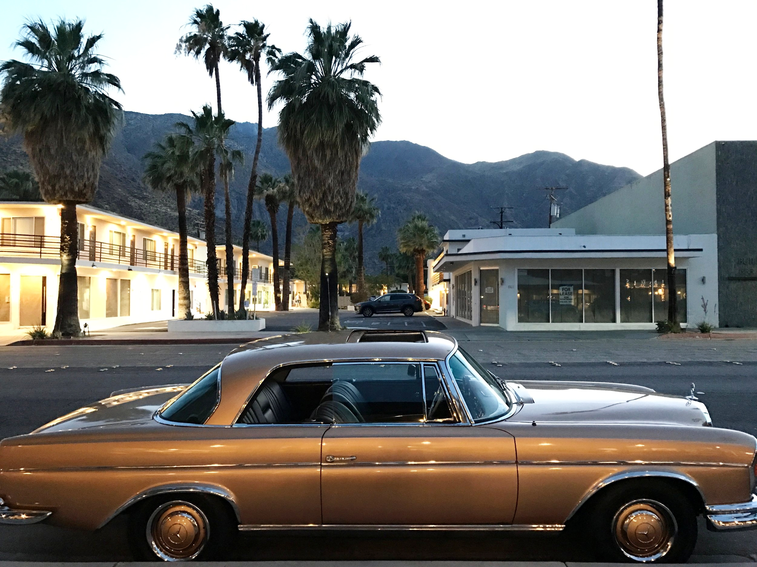 Palm_Springs_Retro_Car
