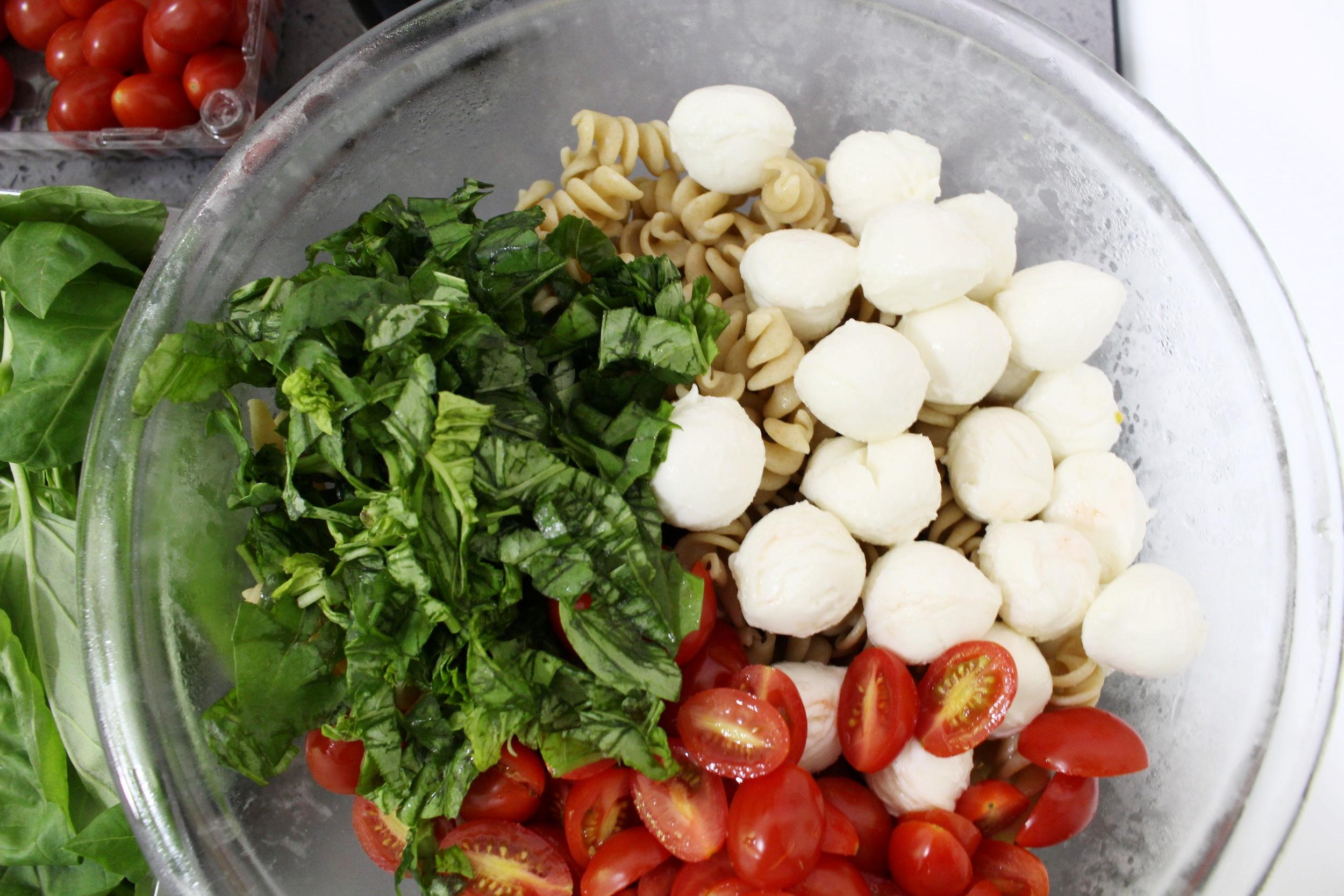 Caprese_Pasta_Salad