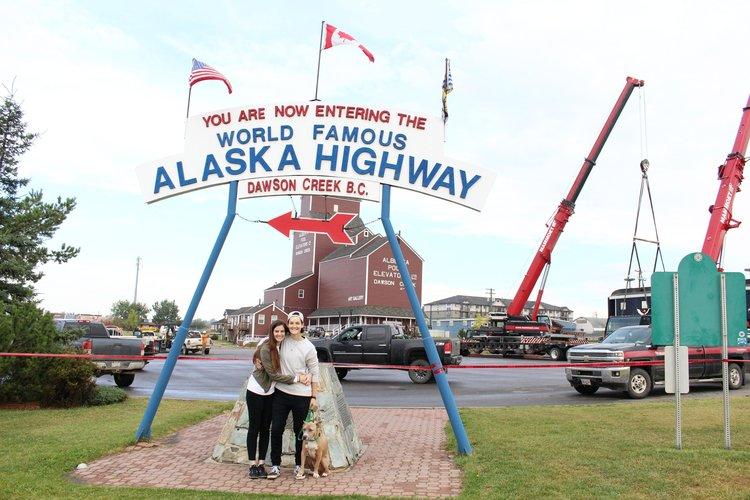 Alaska_Highway_Sign