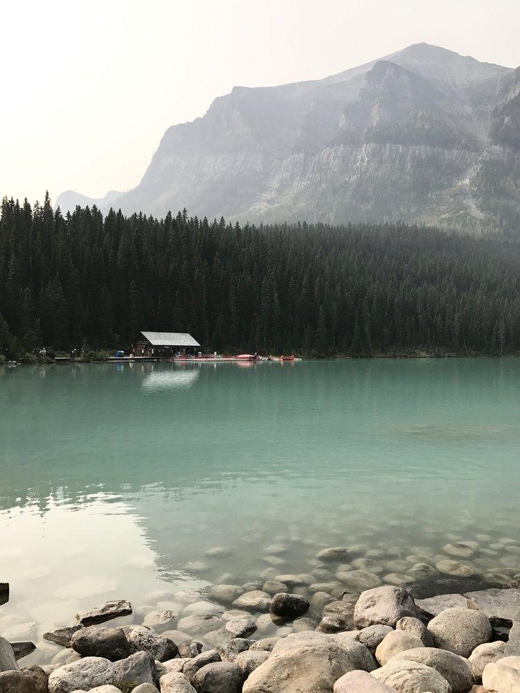 Lake_Louise_Canoes.jpg