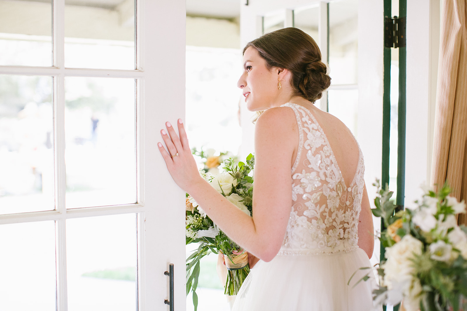 Wedding_Peek