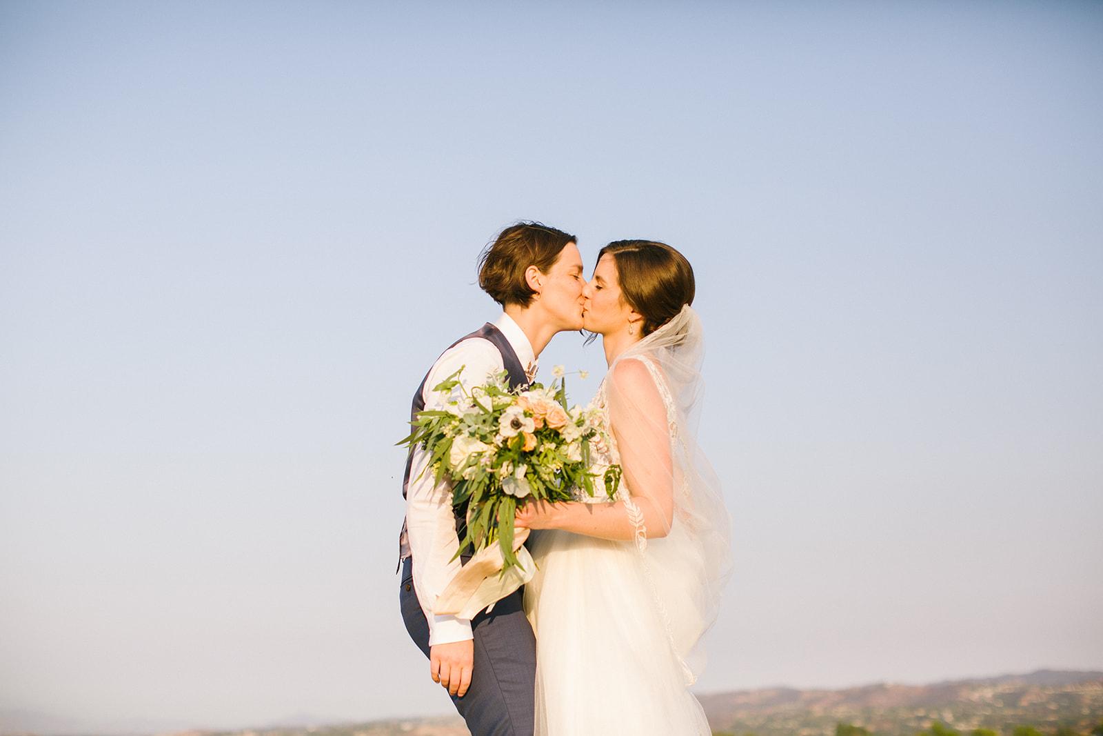 Wedding_Portrait_Kiss