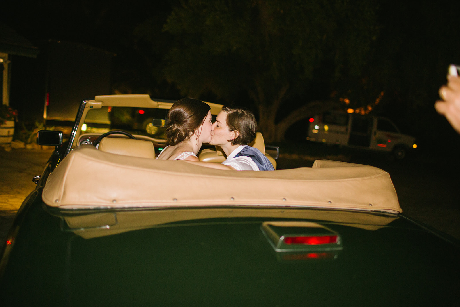 Getaway_Car_Kiss