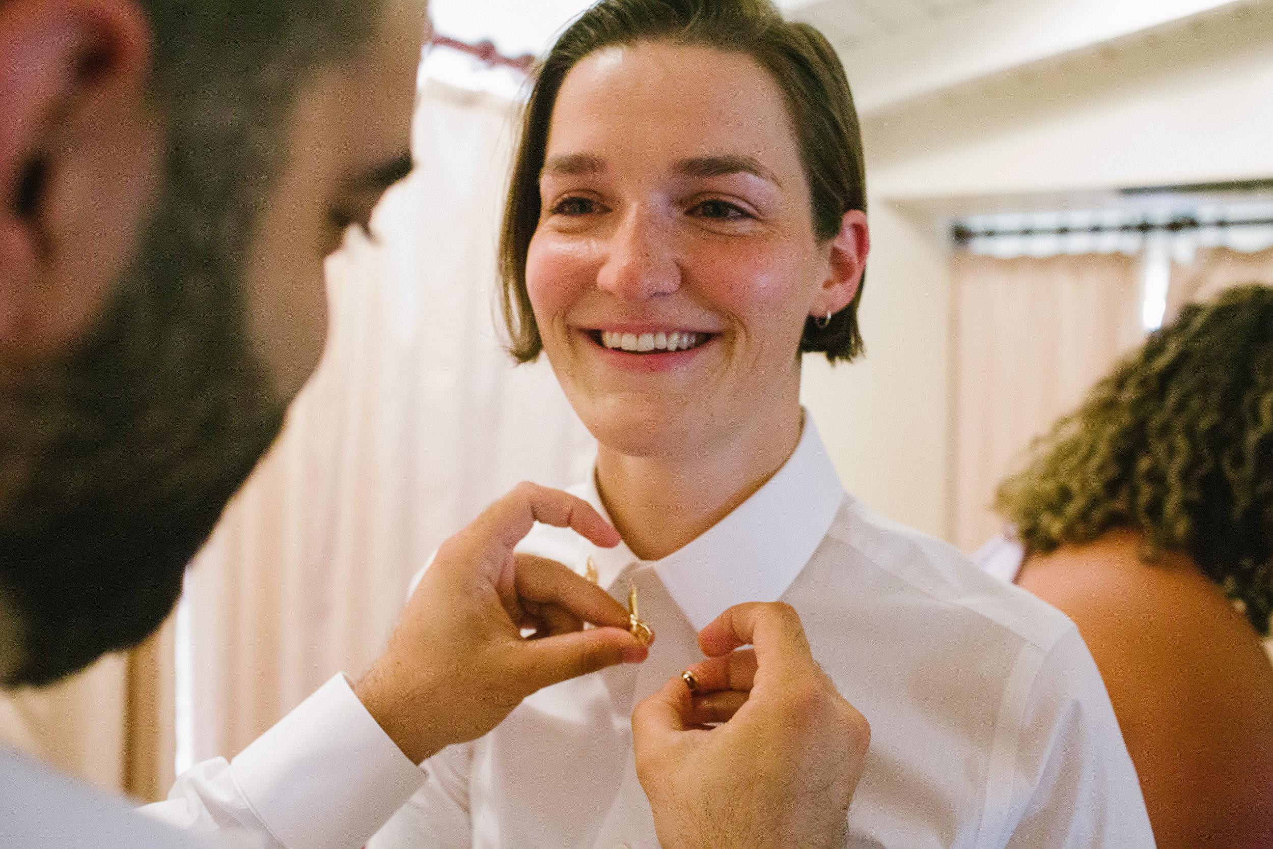 Wedding_Friends_Getting_Ready