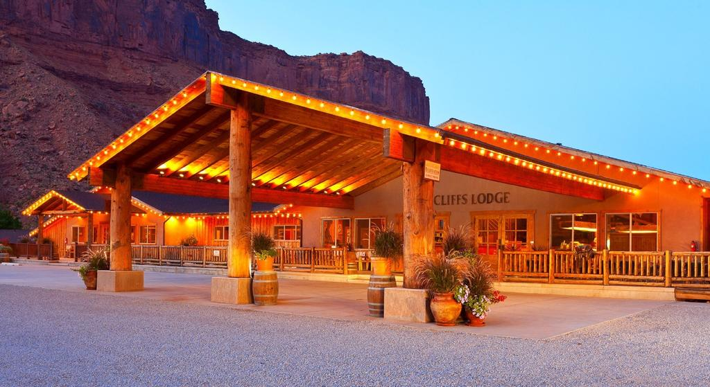 Image via  Red Cliffs Lodge
