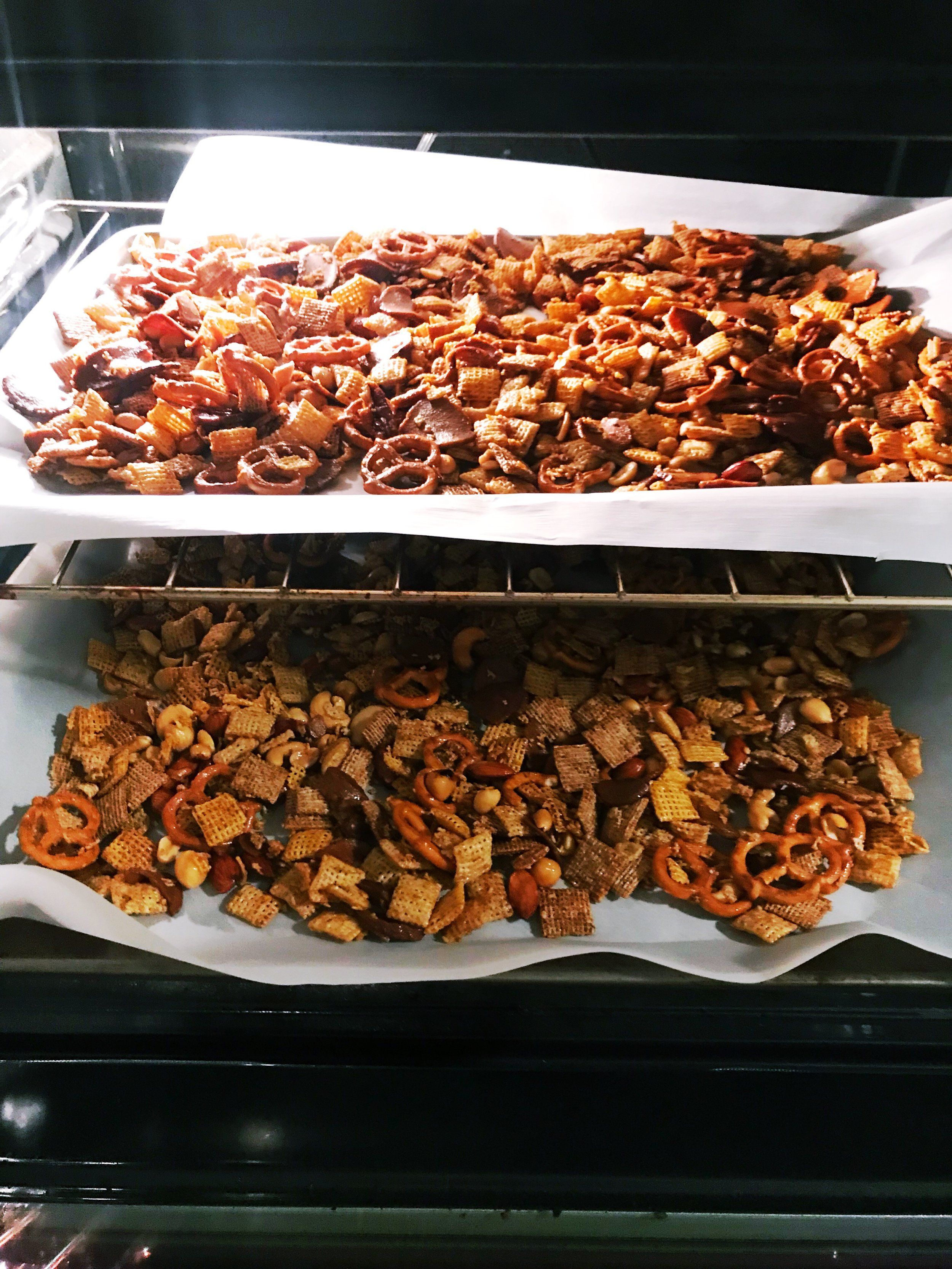 Homemade_Chex_Mix.JPG