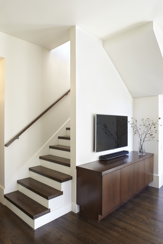 upstairs_03.jpg