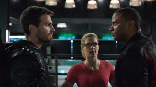 Screenshot-from-Arrow-6x17-Promo-Brothers-in-Arms-Promo-YouTube.jpg
