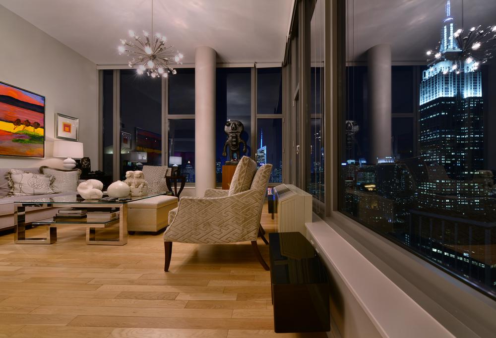 HTOLI+NYC+EmpireStateOfMind+LivingRm-315-03.jpg