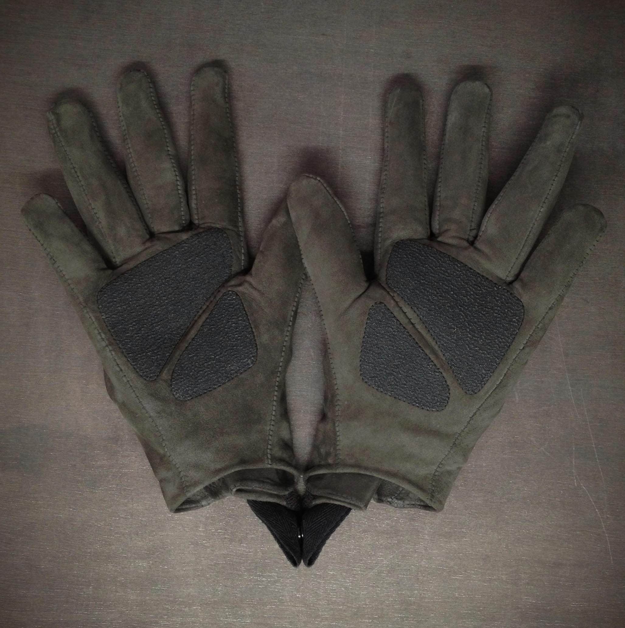 The Survivalist #5 Airflow Glove - Back.jpg