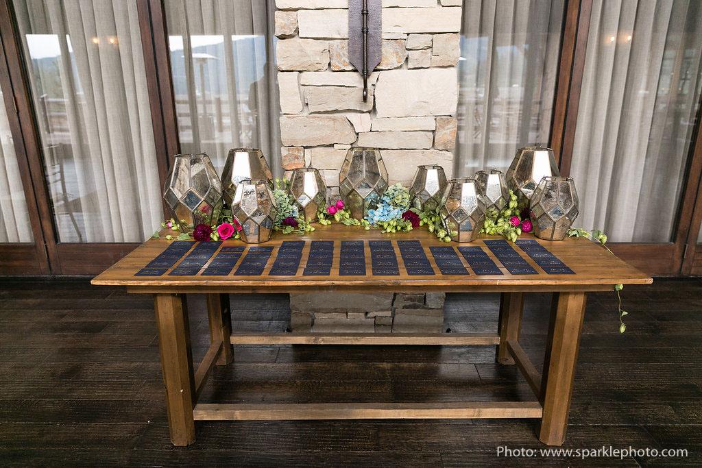 Photo: Sparkle Photography  Planning: MelissaFancy  Florist: Artisan Bloom