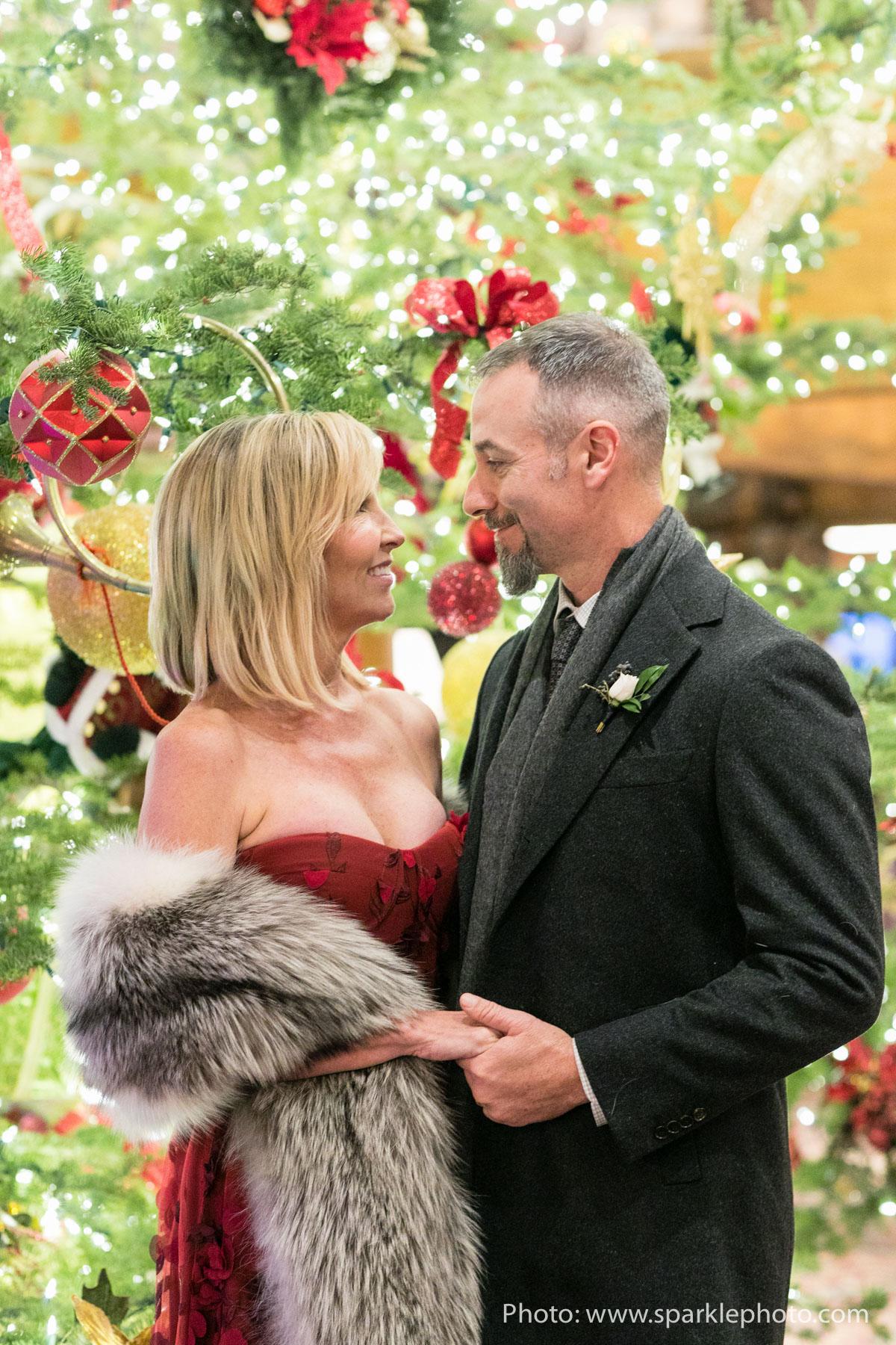 Photo: Sparkle Photography  Planner: MelissaFancy  Florist: Artisan Bloom  HMUA: Lesley Lind