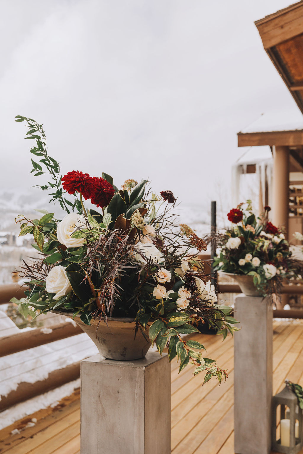 Photo: Grey Giraffe Photography  Florist: Artisan Bloom