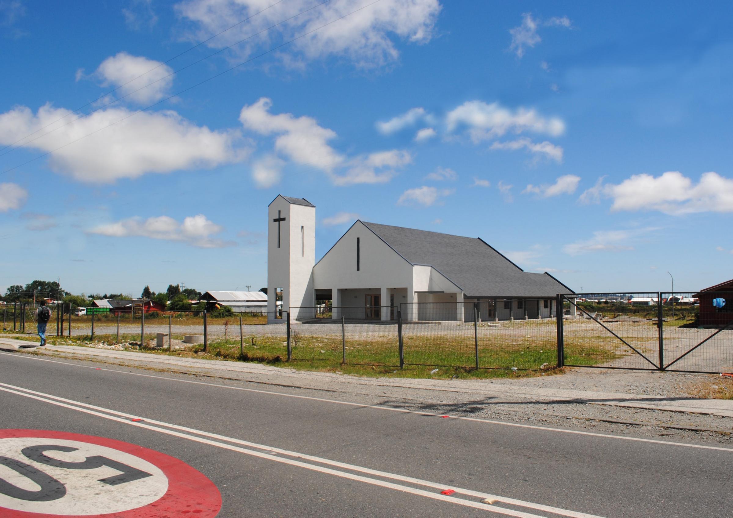 Iglesia de Alerce, obra de arquitectura y gestión desarrollada y ejecutada por CLAG.