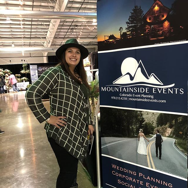Fun times chatting up Mountainside Events with so many new couples. Plus we got to show off our new triangle arch!  And a huge thanks to @chelsilk and all your help 😁 #weddingshow #bridalfestivals #mountainsideevents #juliyjuan #eventplanner #cowedding