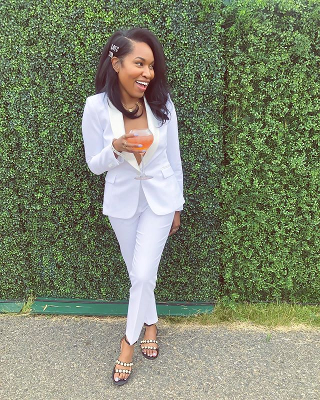 Where the Grass is Greener ... #veuveclicquotpoloclassic 🍾🌸🥂🏇🏾