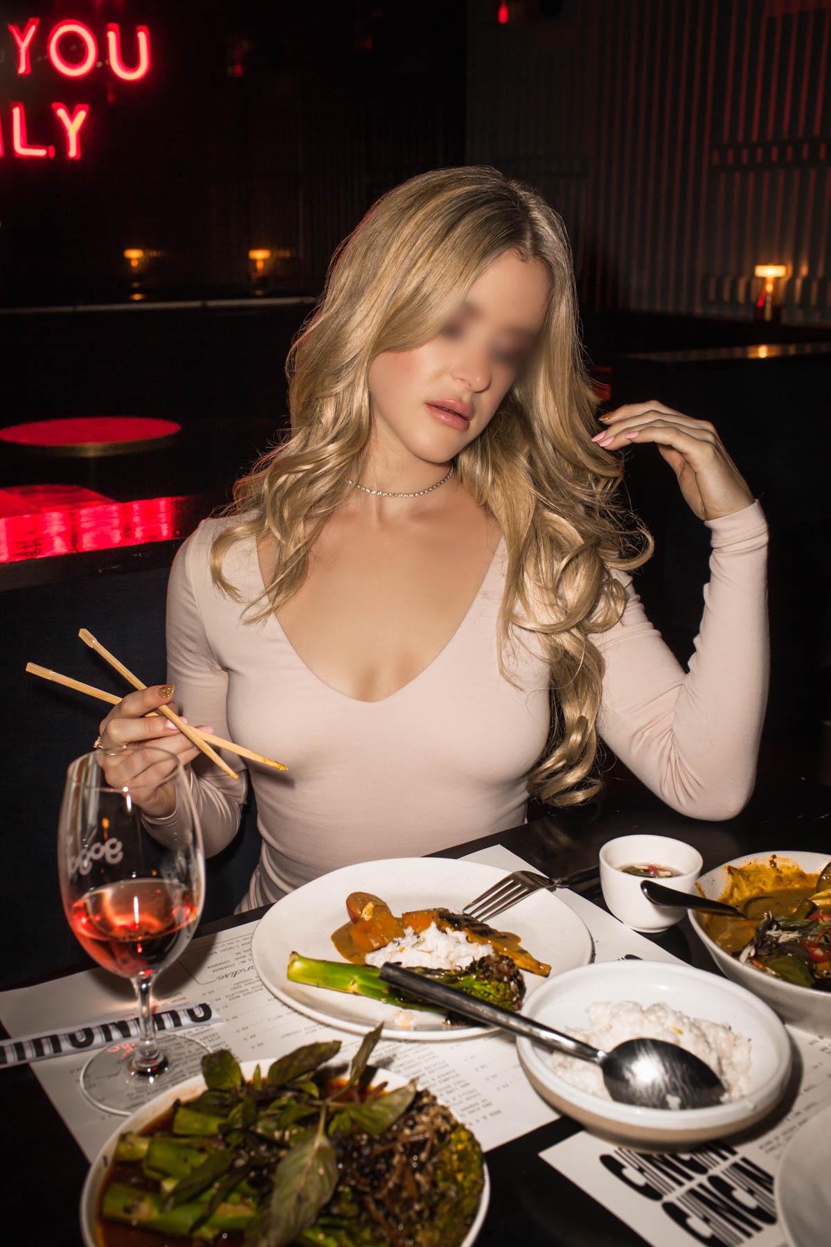 Amber King Gogo Bar-044-Edit-face blur.JPG