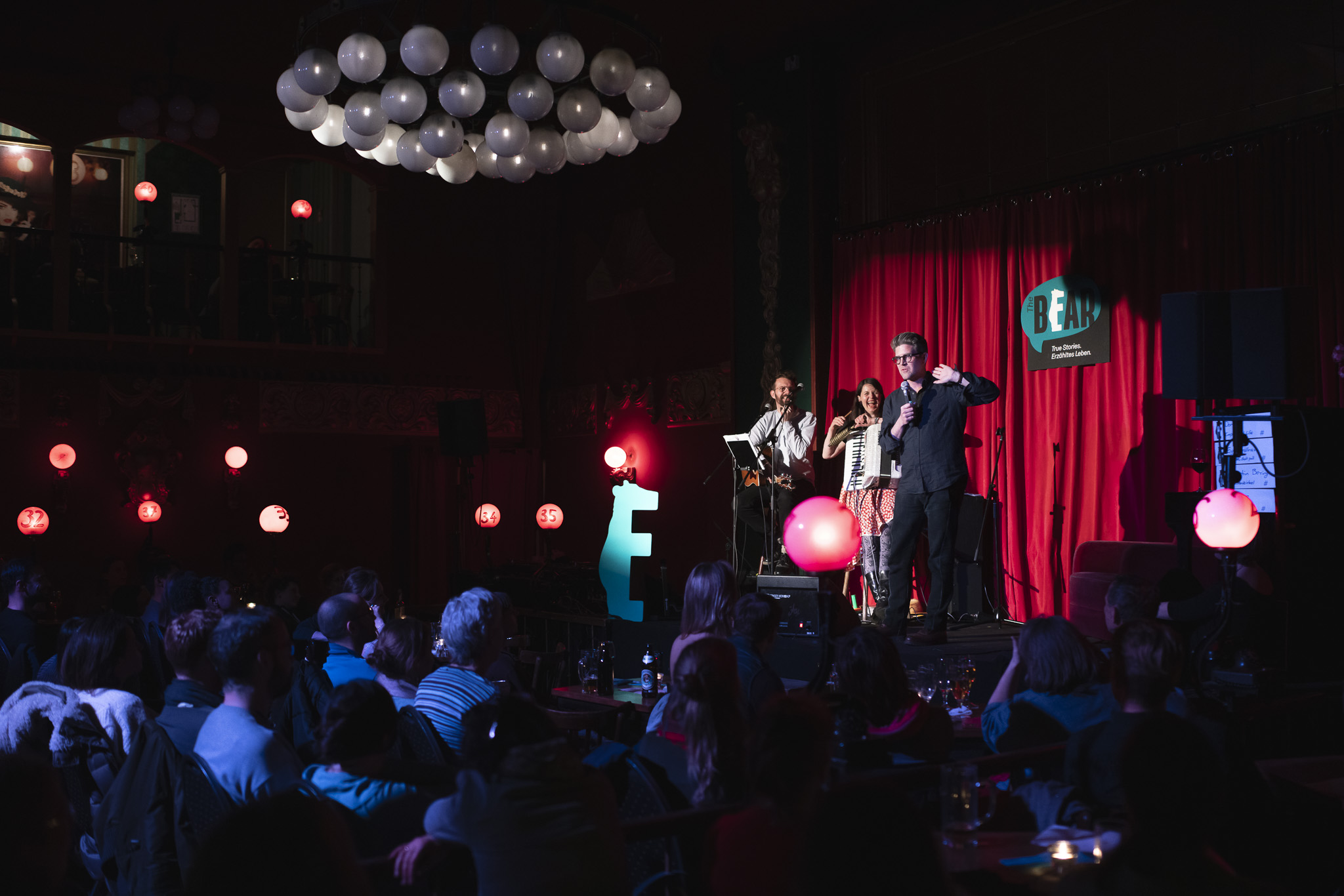 Terence on stage at The Bear, Ballhaus Berlin; Photo: Felix Limmer
