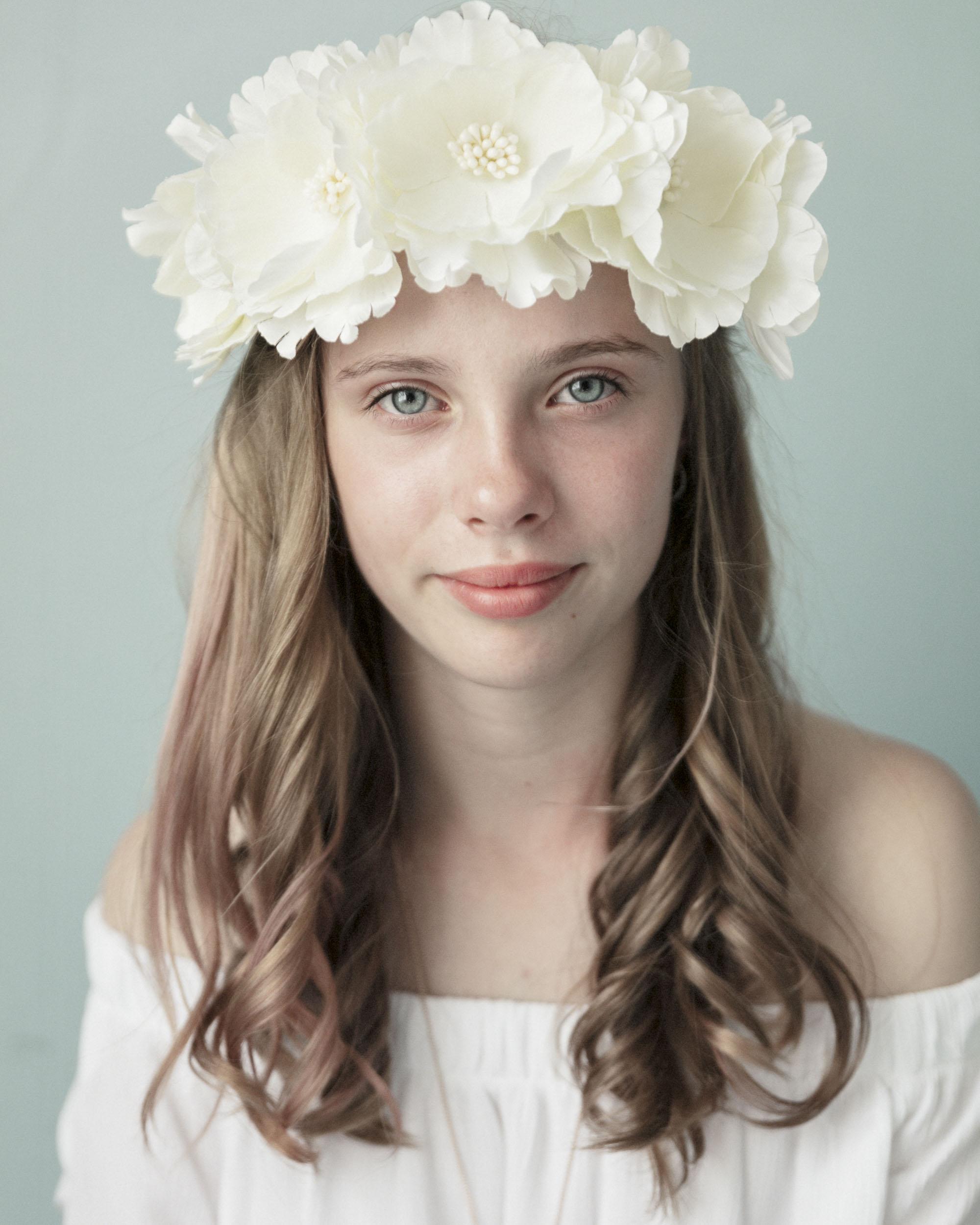 marina-mcdonald-teen-portrait-photography-portfolio-canberra-teen-girl-white-flowers-child