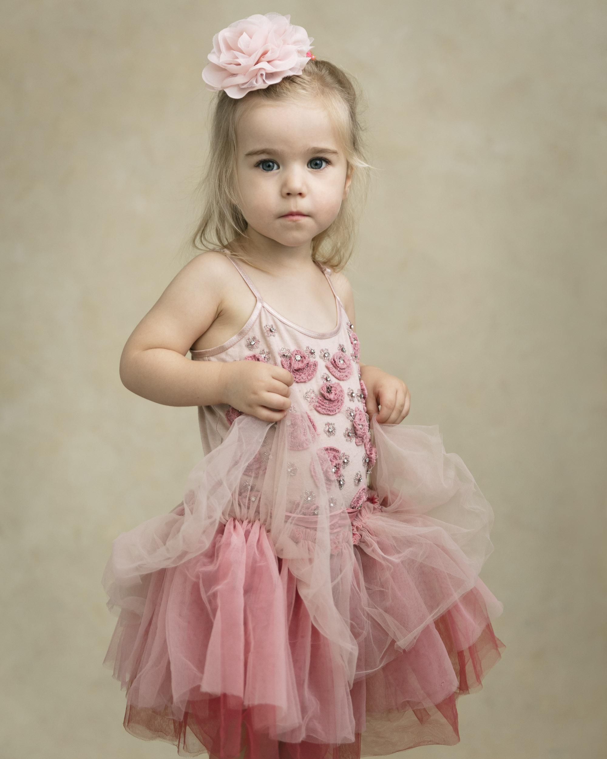 marina-mcdonald-child-portrait-photography-portfolio-canberra-child-pink-dress