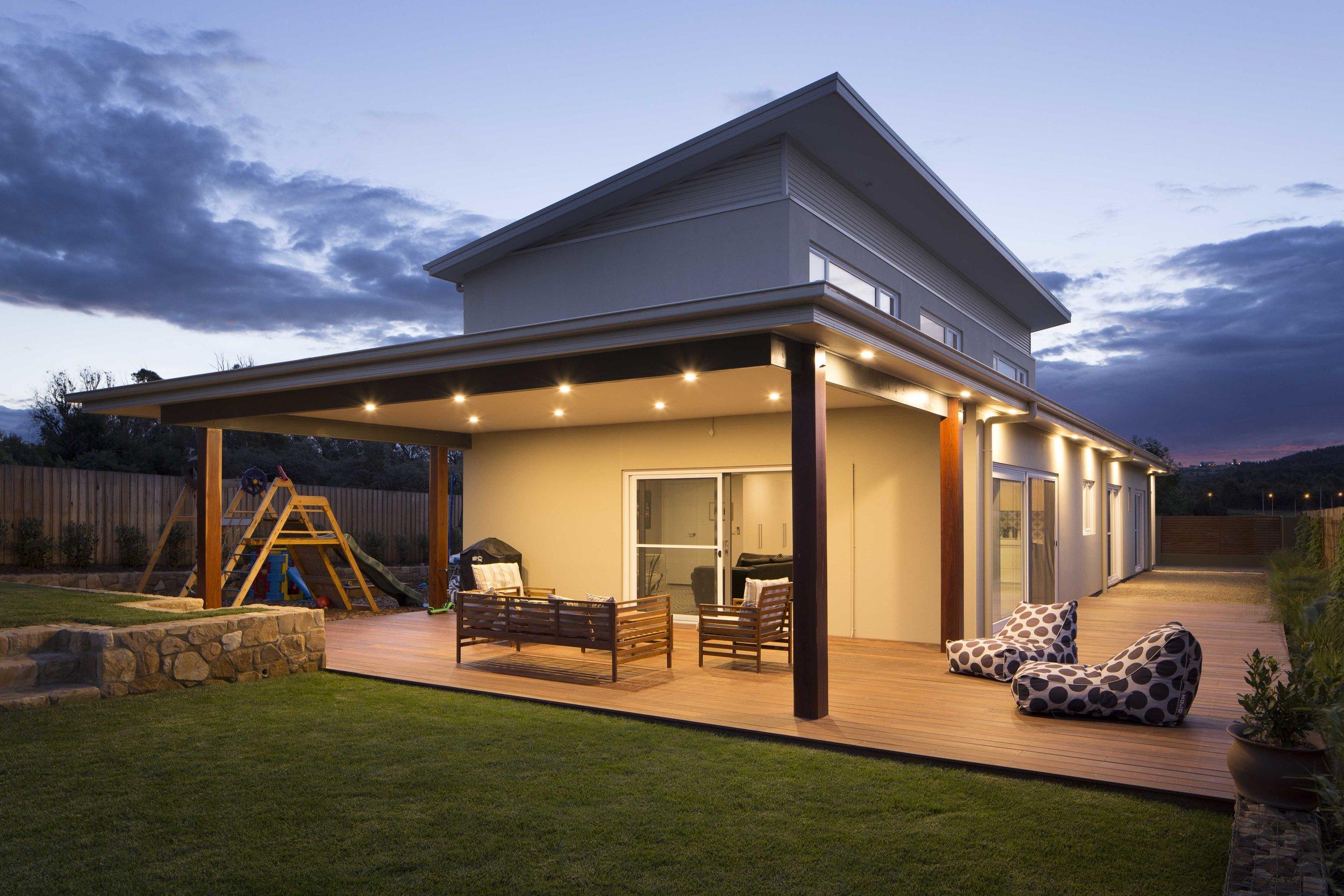 marina-mcdonald-architectural-photography-rogers-design-&-construction-exterior-deck